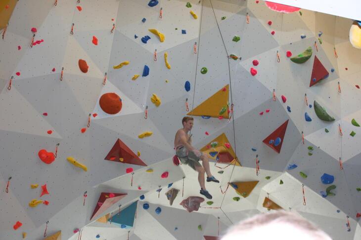 Magnus Midtbø tok jomfruturen opp klatreveggene