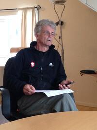 En erfaren Gunnar Engen leder morgenoppsummering.