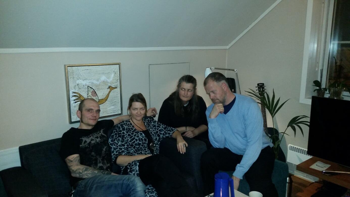 4 personer i sofagruppe