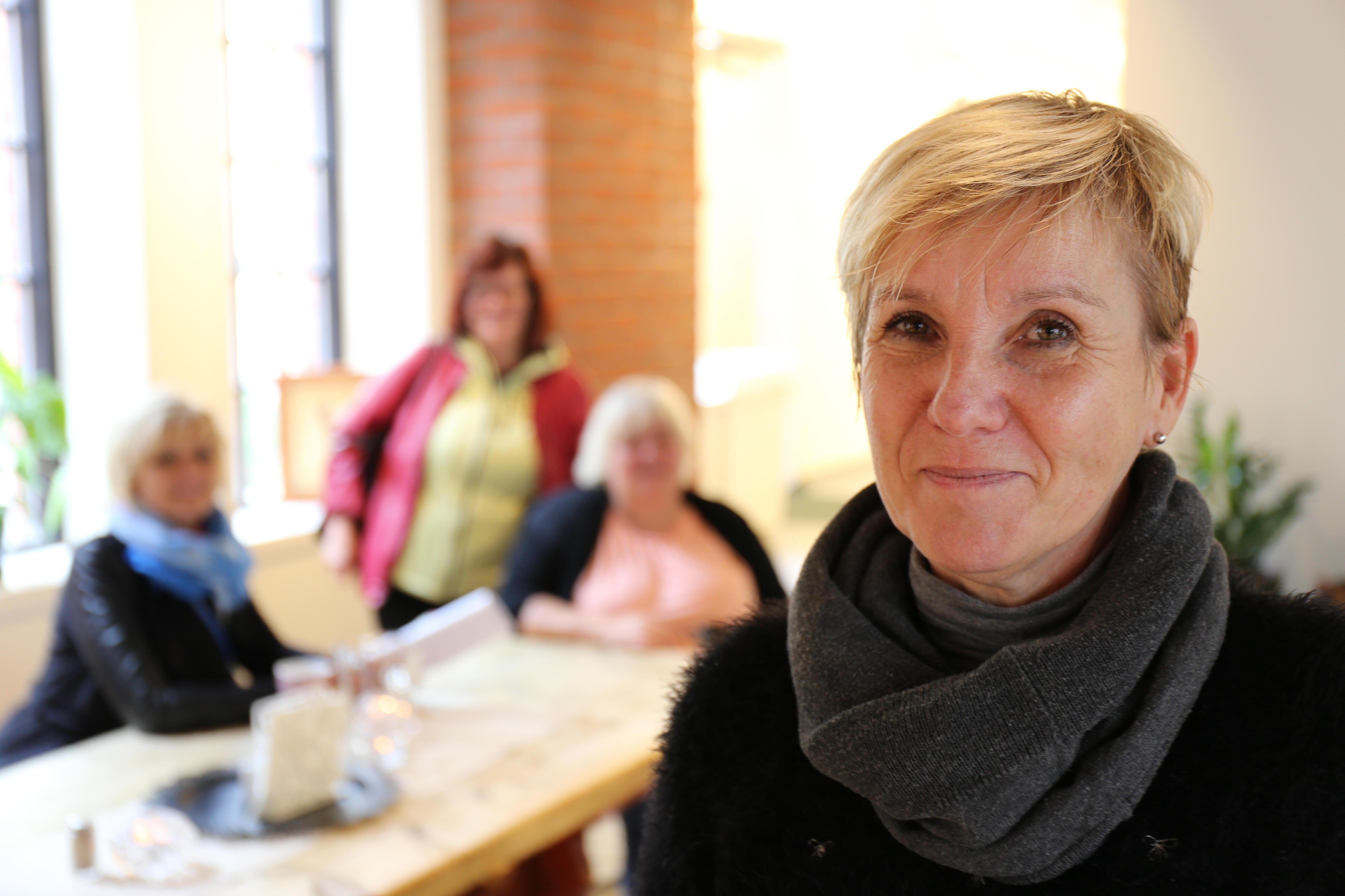 Daniela Havlickova leder den frivillige organisasjonen Hodina H i Tsjekkia.
