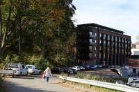 Bilde av klatreveggen i nye Tyrilisenteret