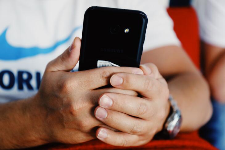 Feedbackverktøyet WAI-C-S kommer inn på elevenes telefoner en gang i måneden, i form av et skjema med tolv påstander de skal ta stilling til.
