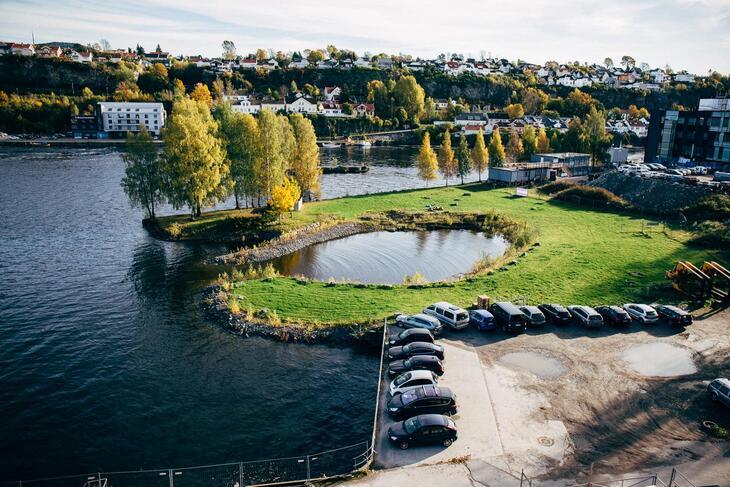 Utsikt fra takterassen, Tyrilisenteret i Skien.