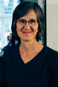 Dawn Bartusch, Associate professor ved Valparaiso University i Indiana.