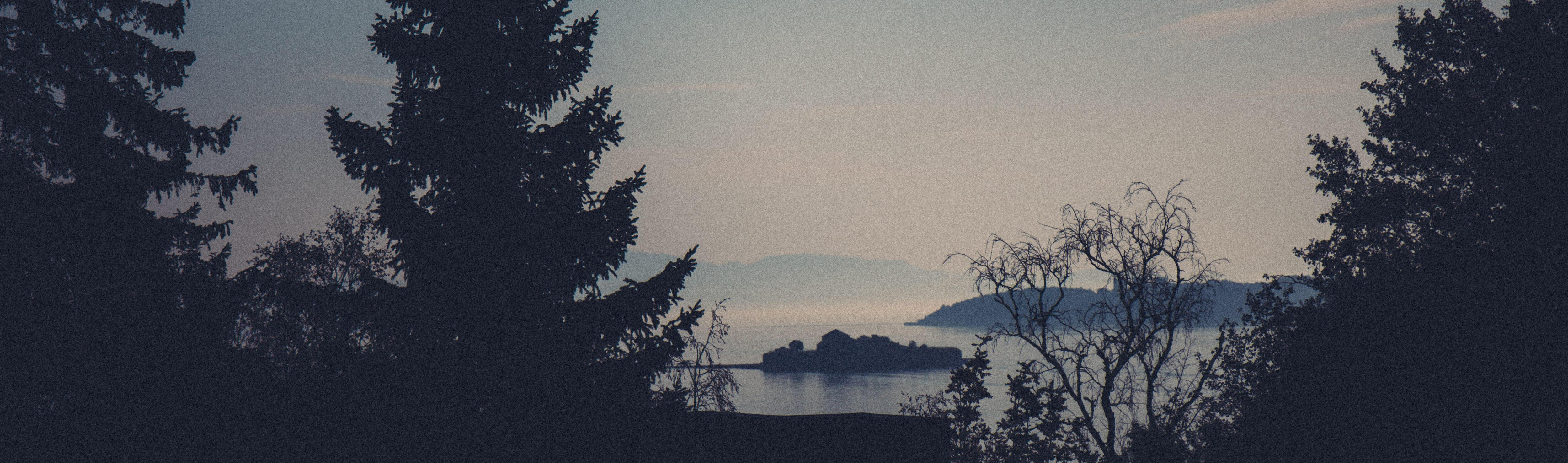 Utsikt fra Høvringen mot Trondheimsfjorden med Munkholmen.