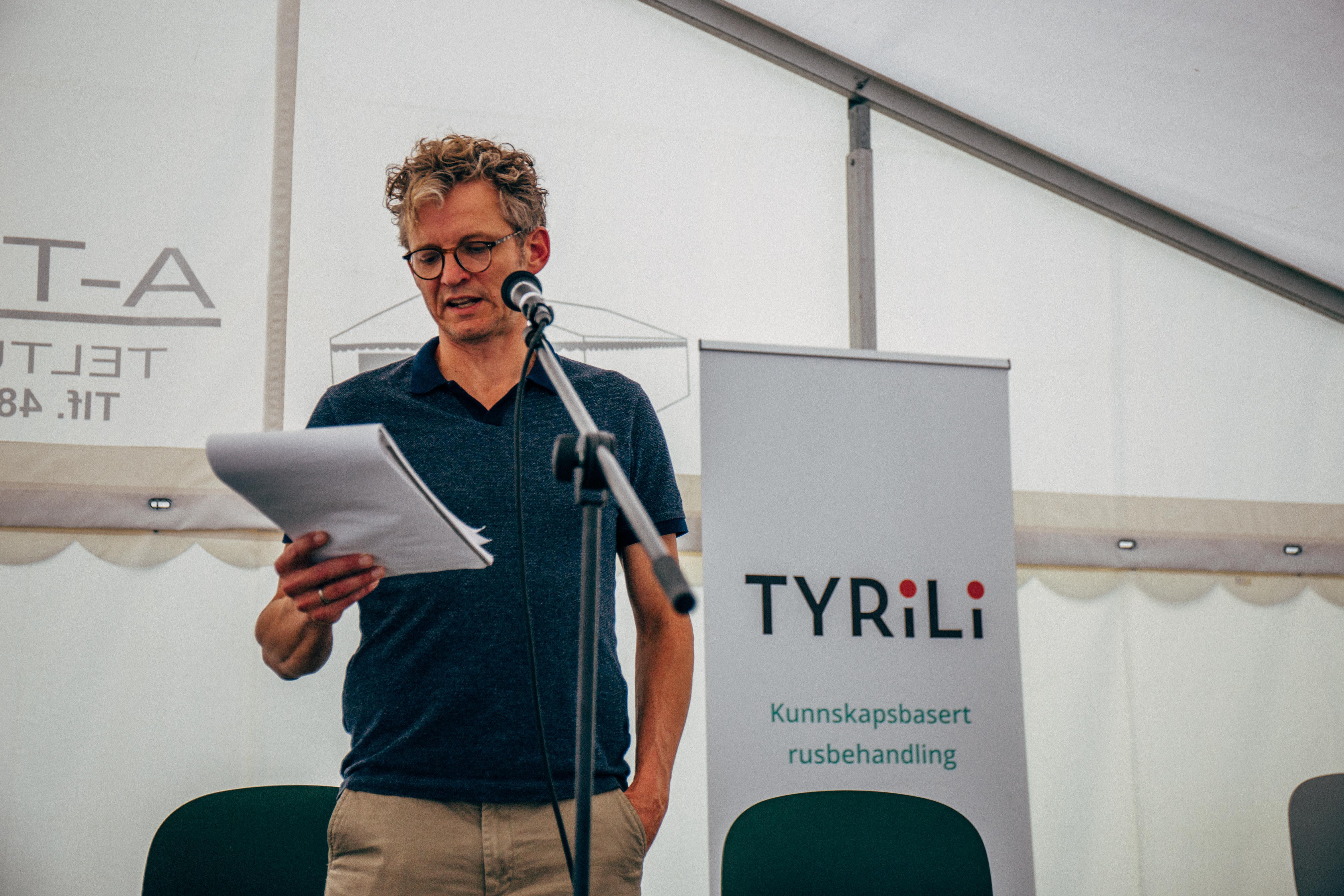 """Debatt om rettighetsbrudd mot utsatte grupper, under """"Åpen russcene"""", Arendalsuka 2021."""